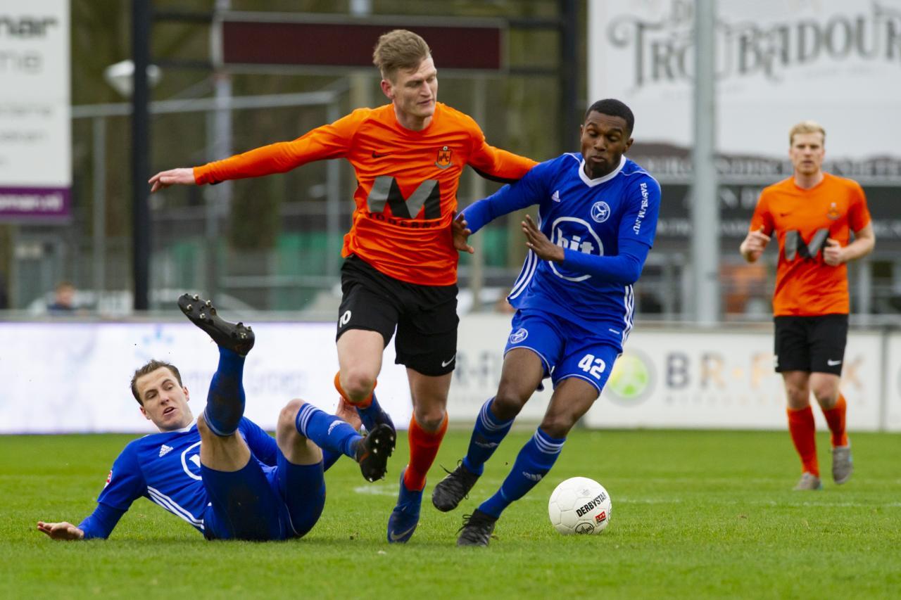 Jong Almere City FC hardleers in Hardenberg