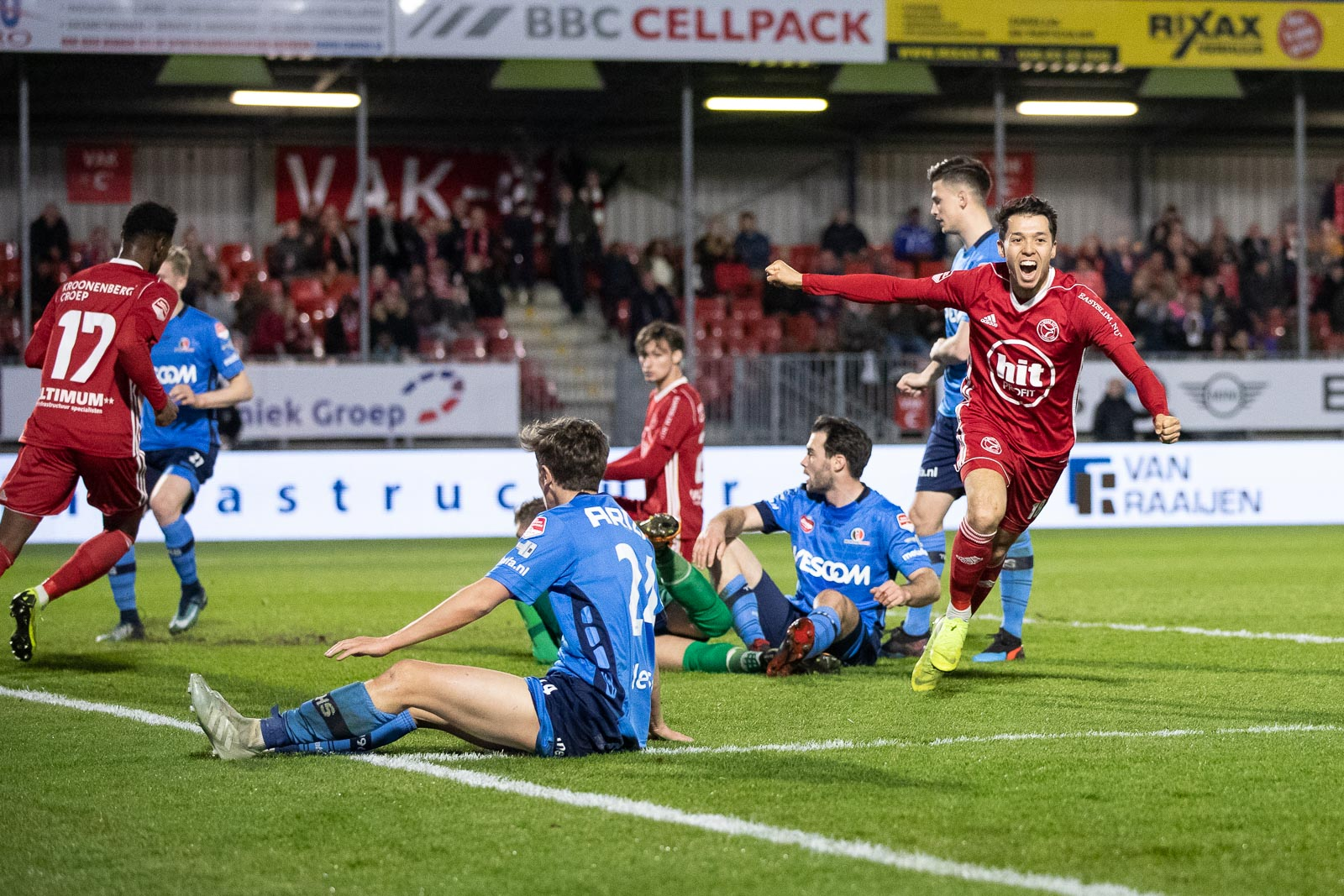 Almere City FC bekroont topweek met derde zege op rij