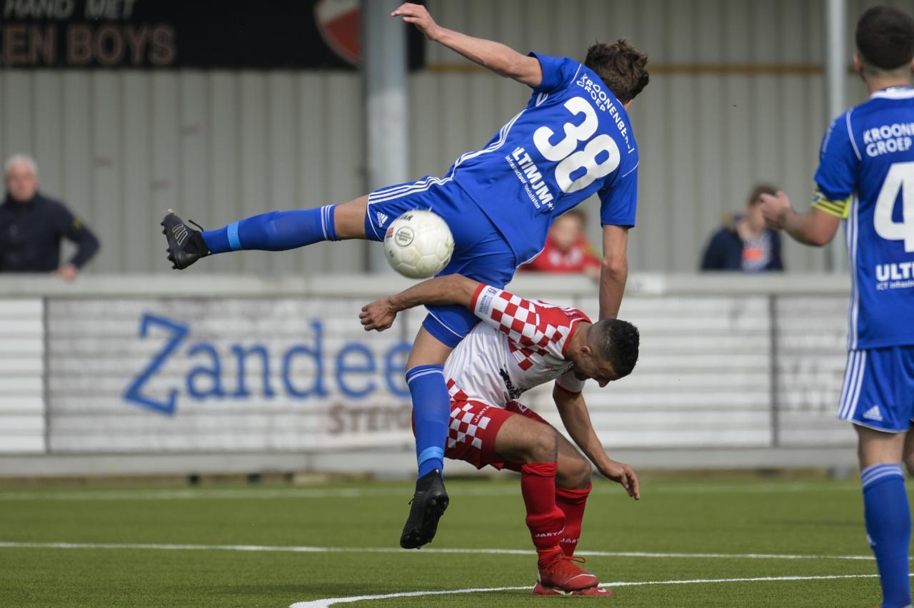 Jong Almere City FC is schietschijf op De Zwaaier