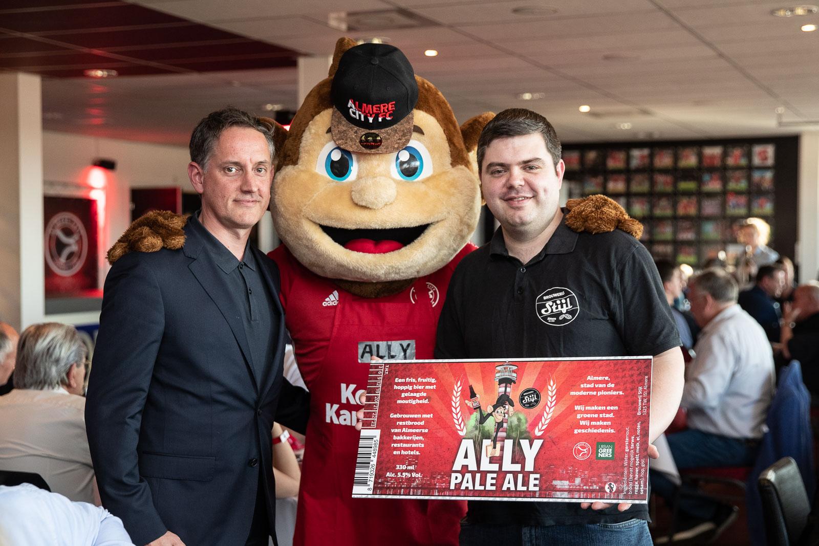 Ally Pale Ale uitgeschonken bij Almere Challenge Event