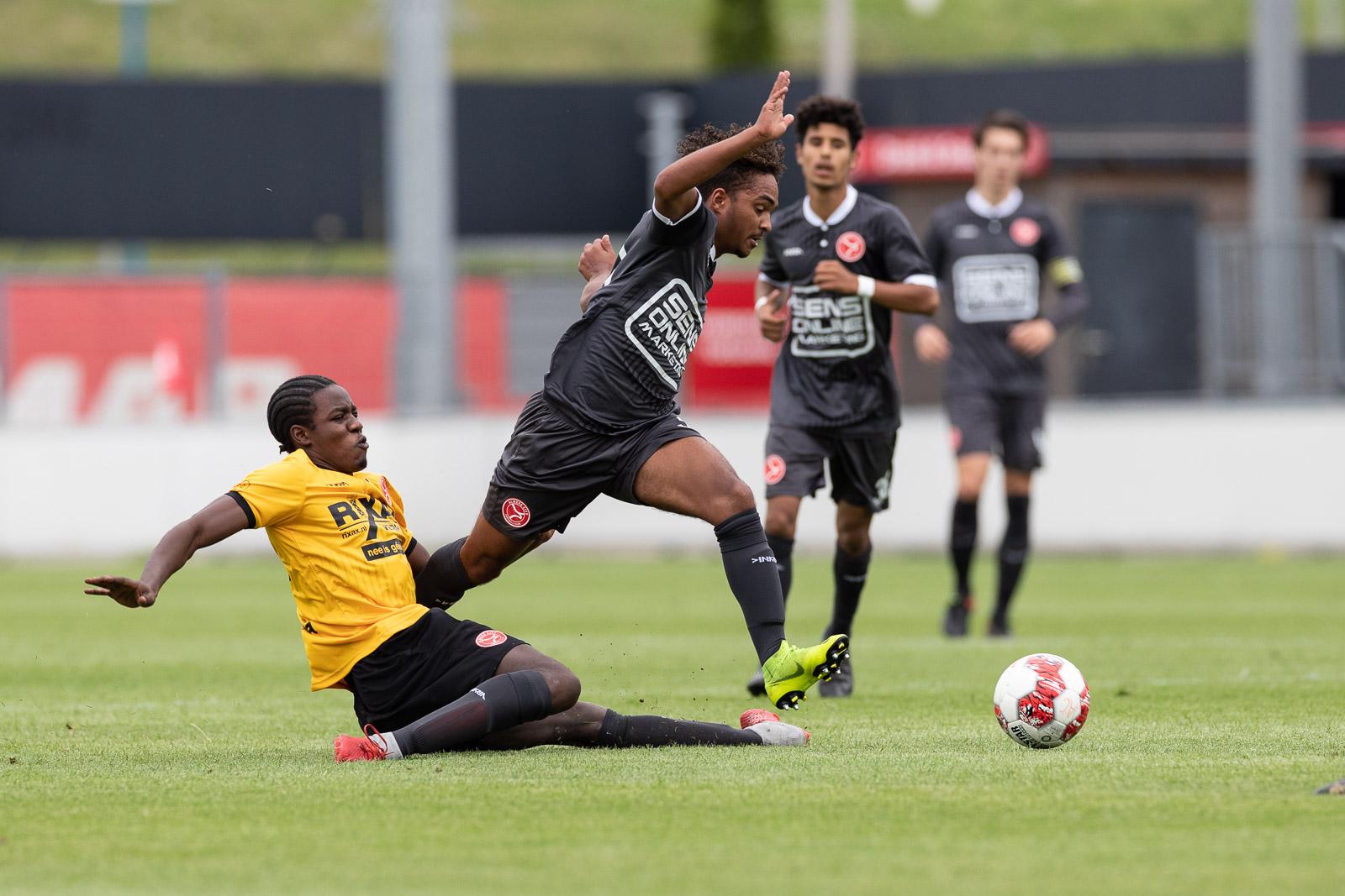 Jong Almere City FC zoekt naar driepunter in Lisse