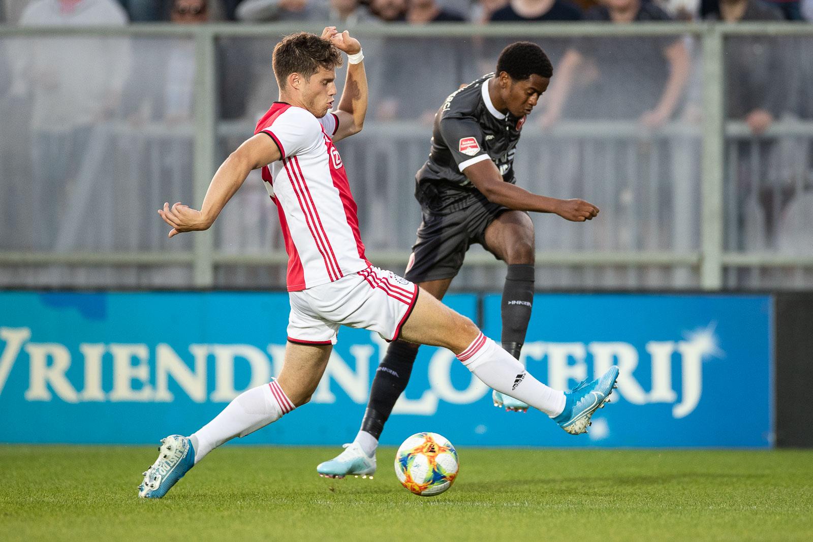 1 augustus eerste wedstrijd met publiek: Jong Ajax