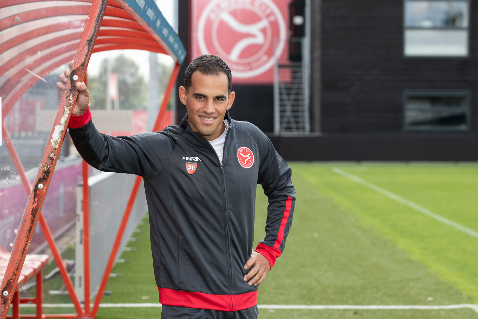Jong Almere City FC ontvangt DOVO