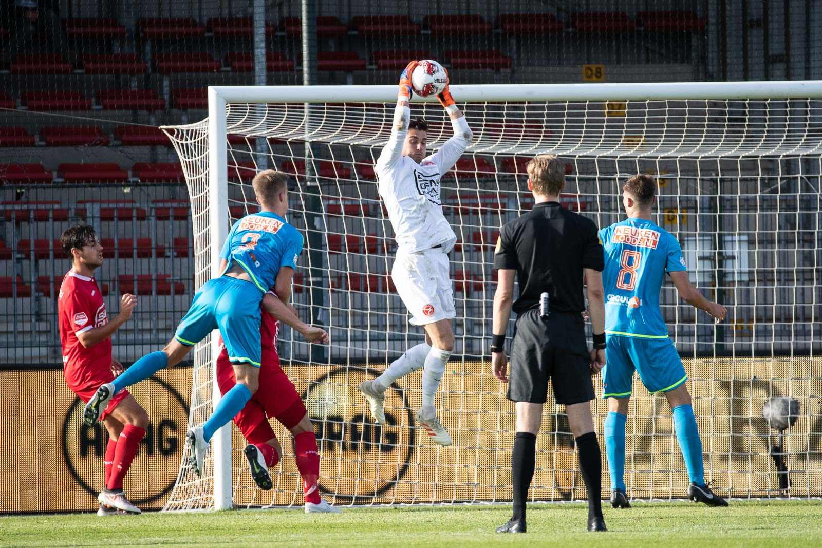 Joshua Smits verlengt contract tot 2021