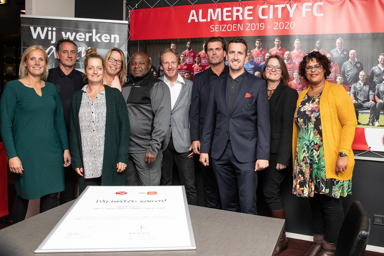 Almere City FC vormt hybride leeromgeving voor mbo-studenten