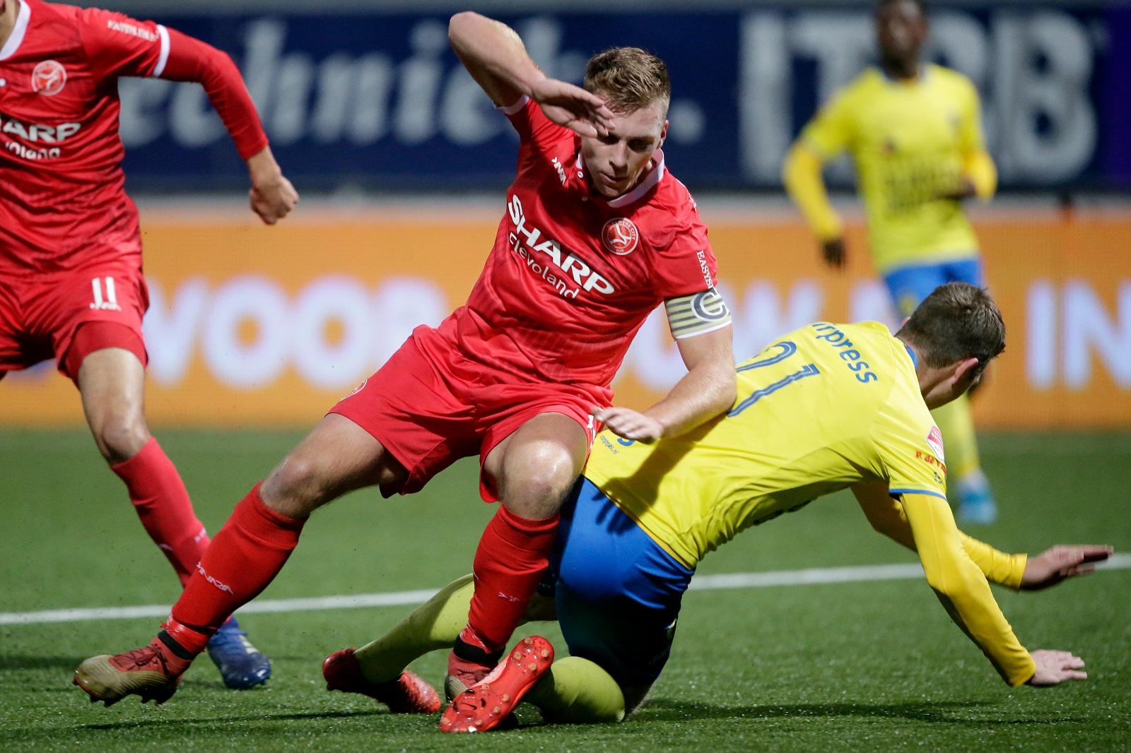 Almere City FC blokkeert tegen Friezen
