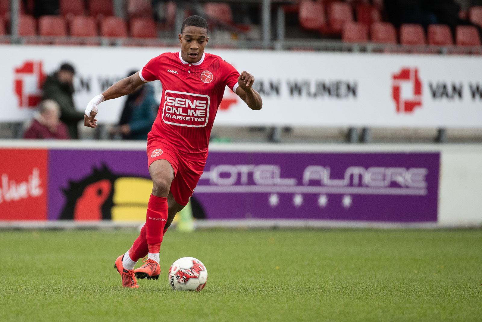 Jong Almere City FC in eigen huis tegen lijstaanvoerder
