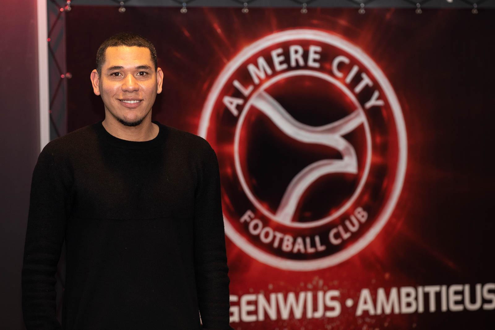 Maduro versterkt staf Loogman Carwash Almere Football Academy