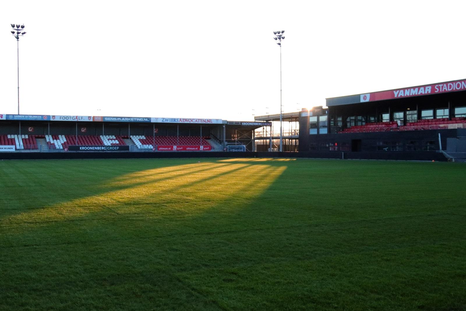 Yanmar Stadion beschikt over nieuwe grasmat