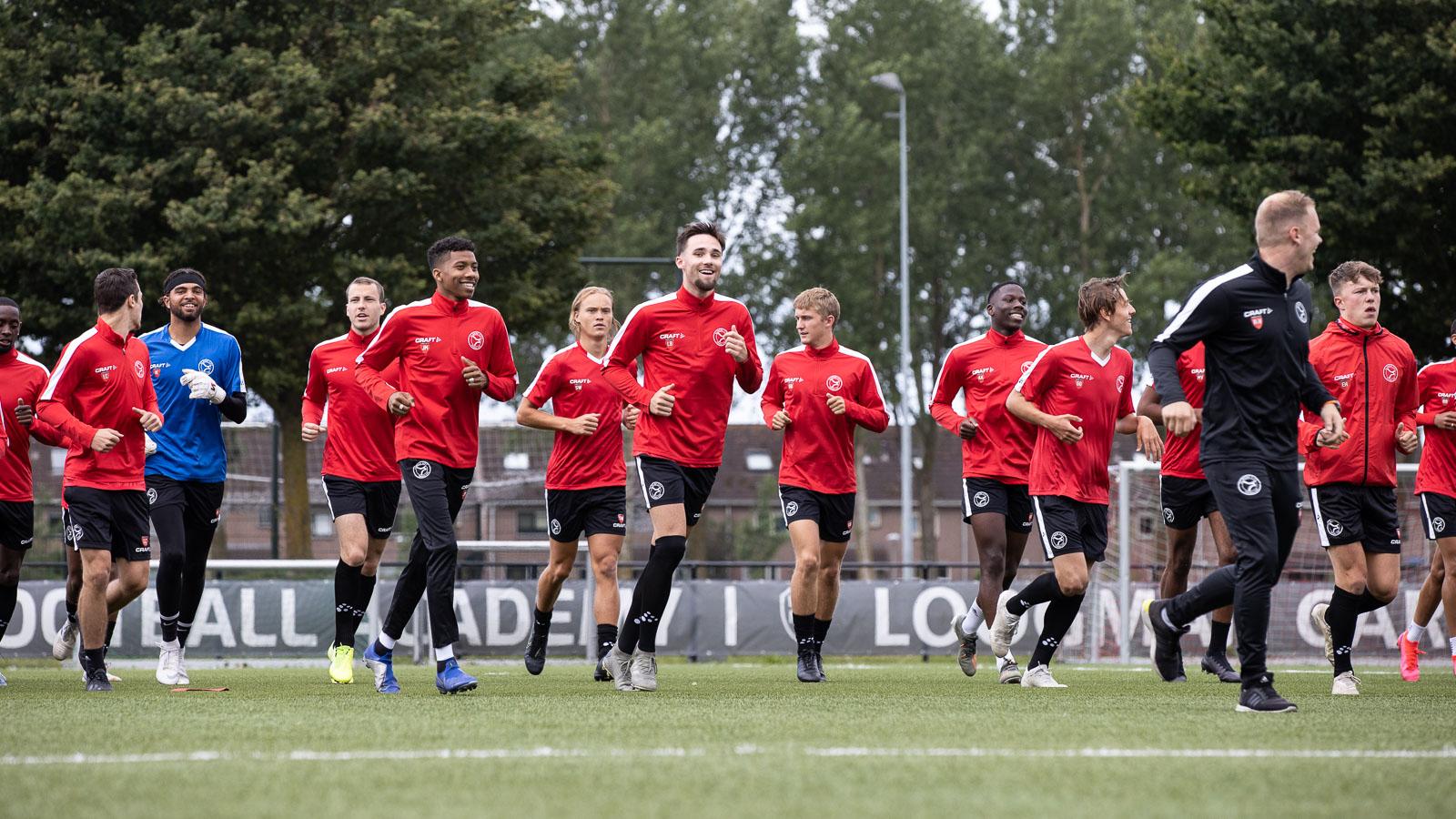Almere Football Academy op zoek naar gastgezinnen