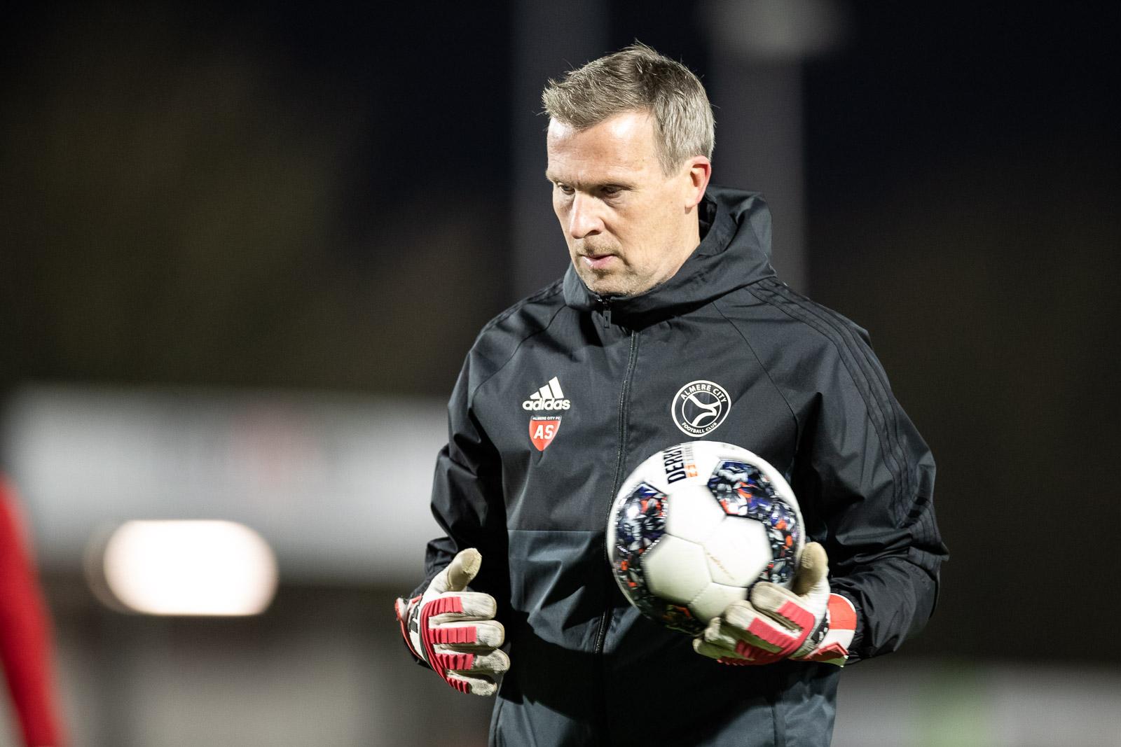 Van den Ban nieuwe keeperstrainer Almere City FC
