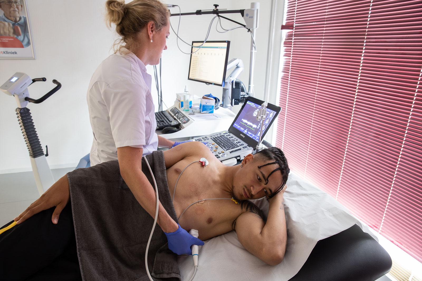 HartKliniek als partner voor cardiale screening eerste elftal
