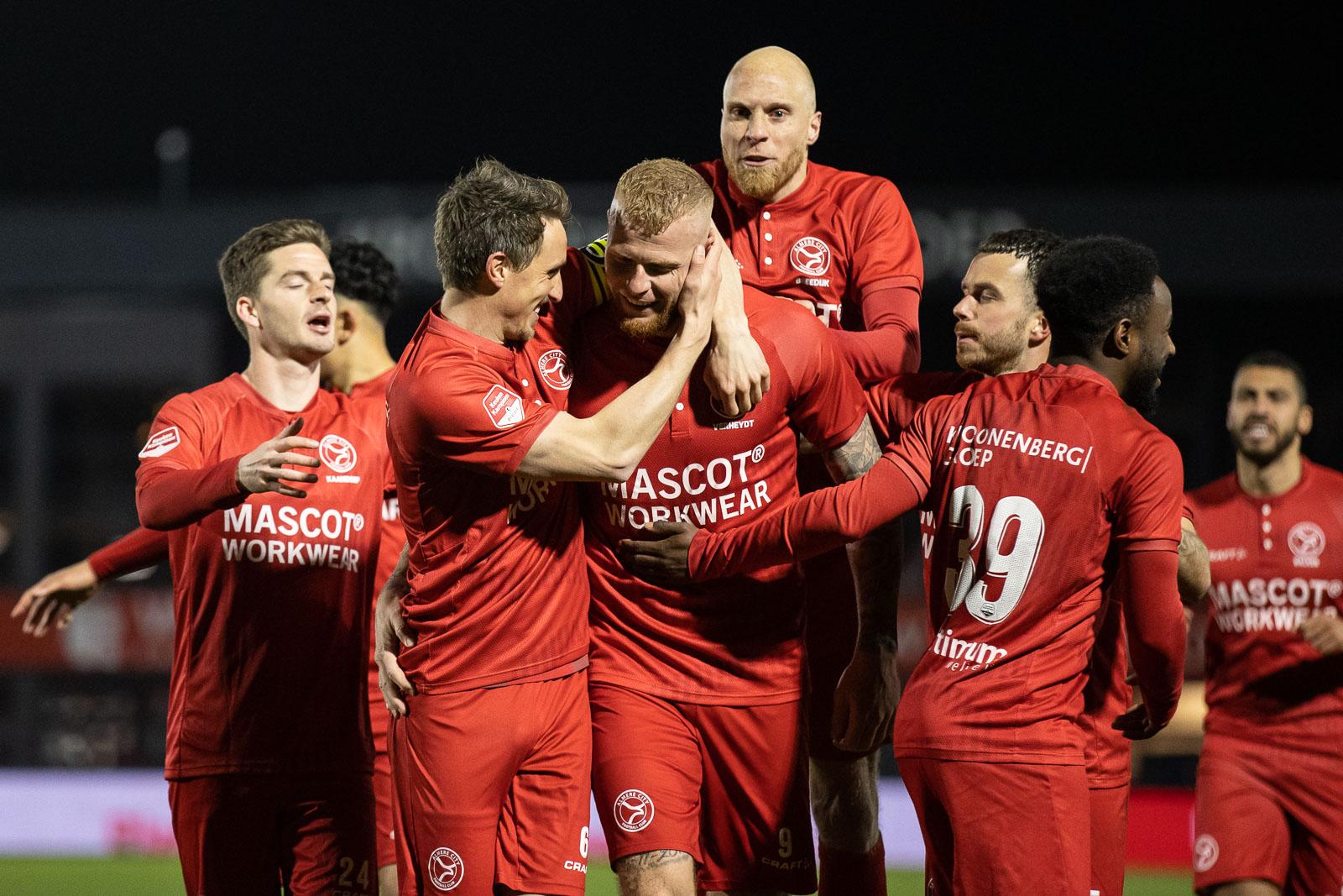 Almere City FC formatie opnieuw op verkenning: 2-0