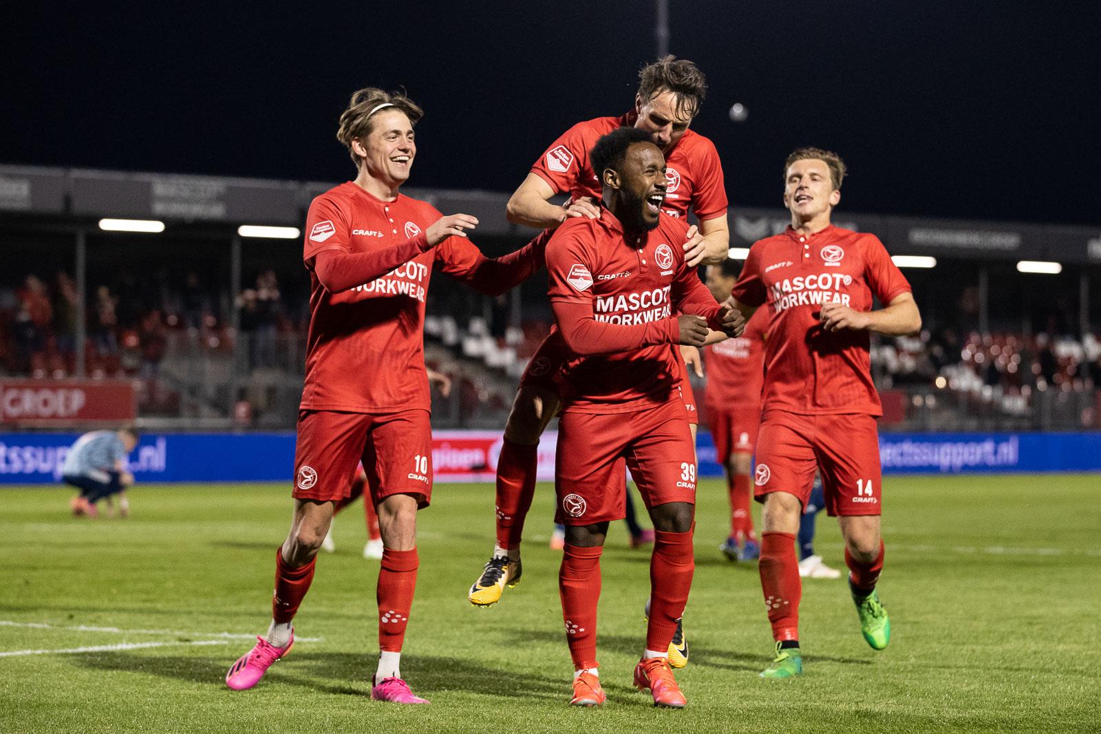 Almere City FC nog altijd in race om rechtstreekse promotie