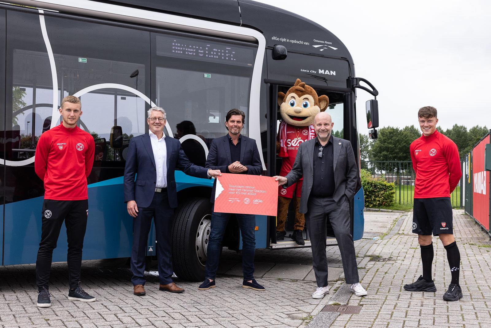 Voor €5 tien keer met de bus naar het Yanmar Stadion