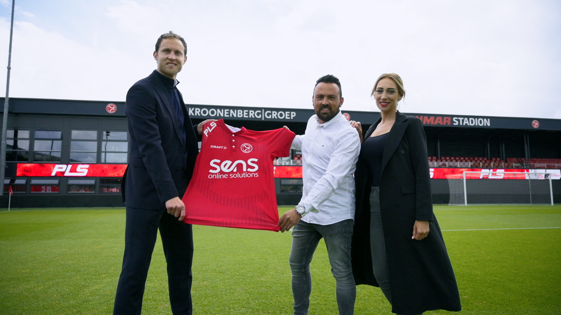 PLS bezorgt Almere City FC tv-gerichte tweede ring LED-boarding